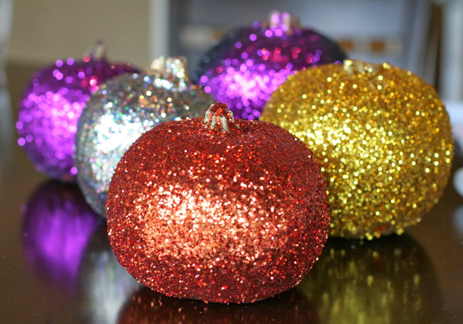 Making glitter pumpkins a fun halloween craft for kids for Glitter crafts for kids