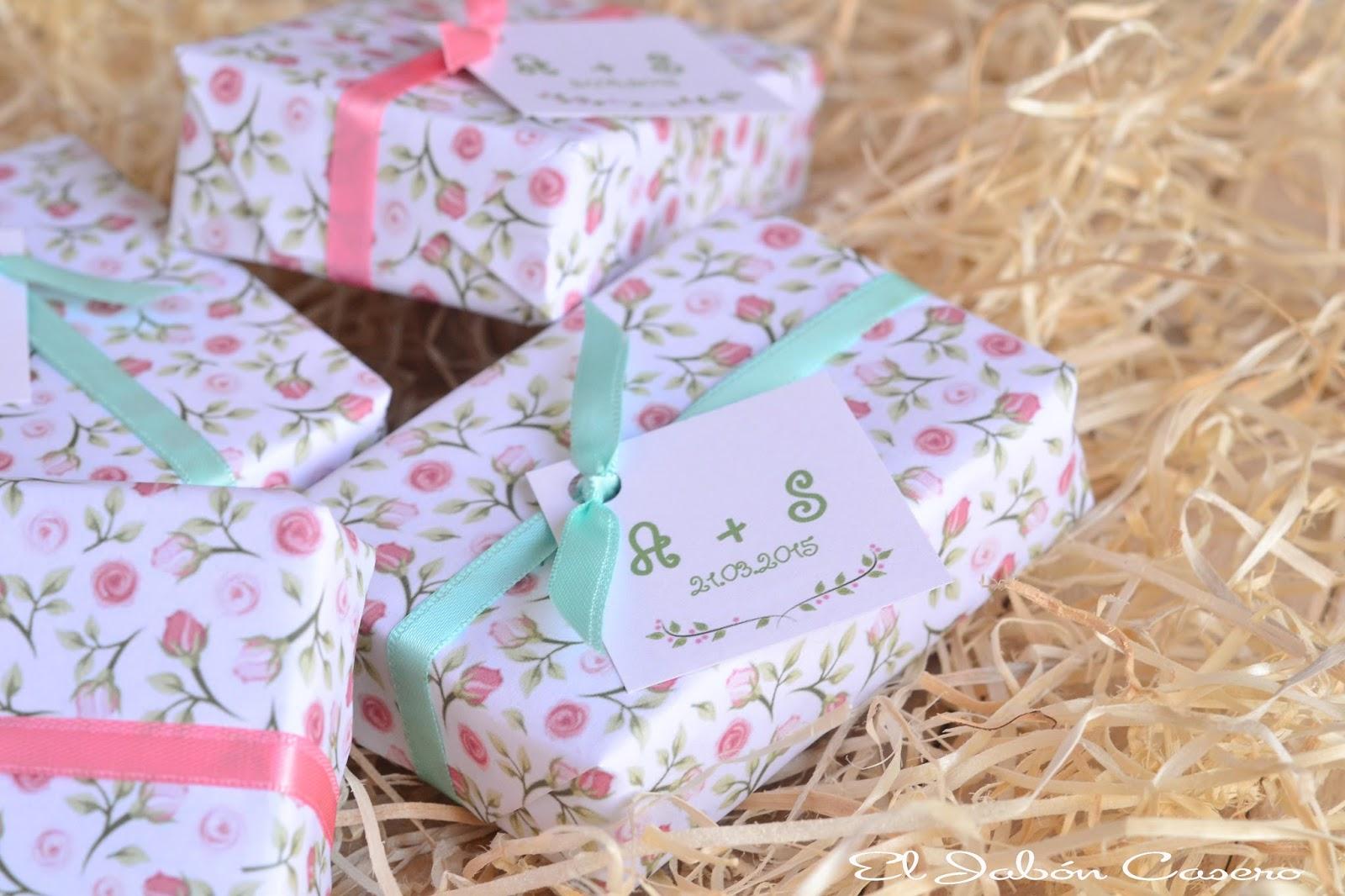 Detalles de boda en colores rosa y menta