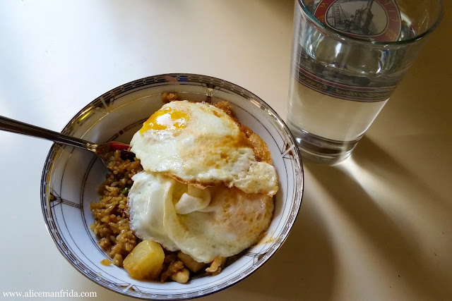 Tasty Tuesday, food diary, lunch, leftovers, fried rice, chicken, pineapple, fried eggs, egg, water, healthy, diet