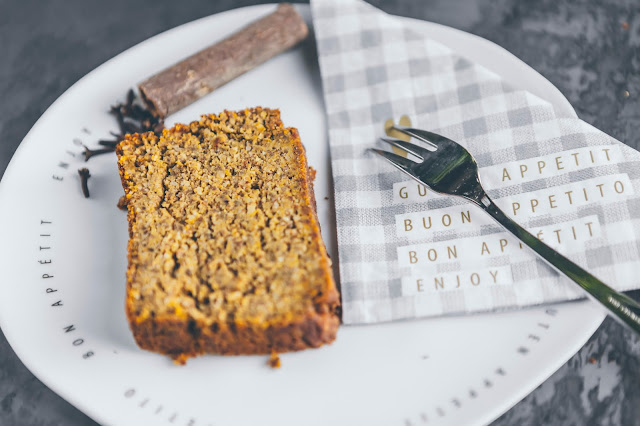 Kuchen mit Raeder Accessoires