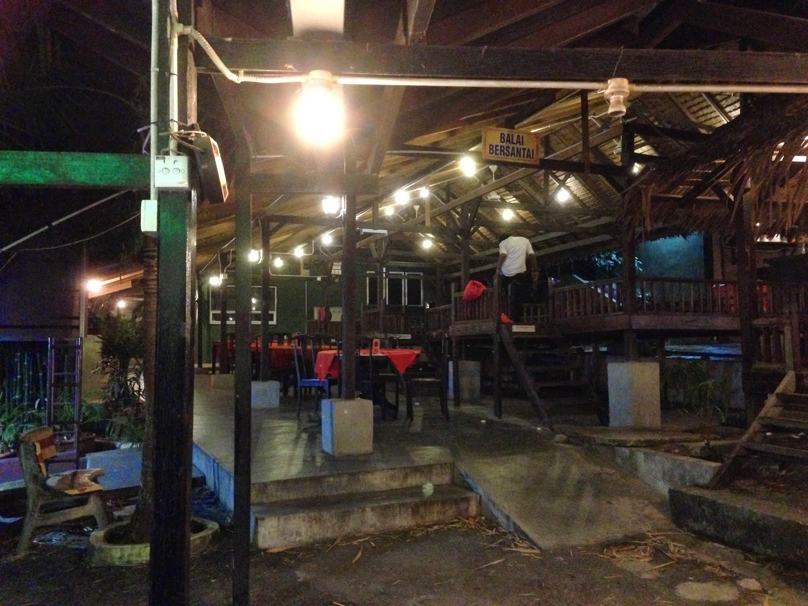 Puncak Mutiara Cafe compound