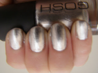 Gosh silver nailpolish swatch