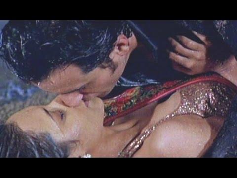 rani mukherjee wet kiss