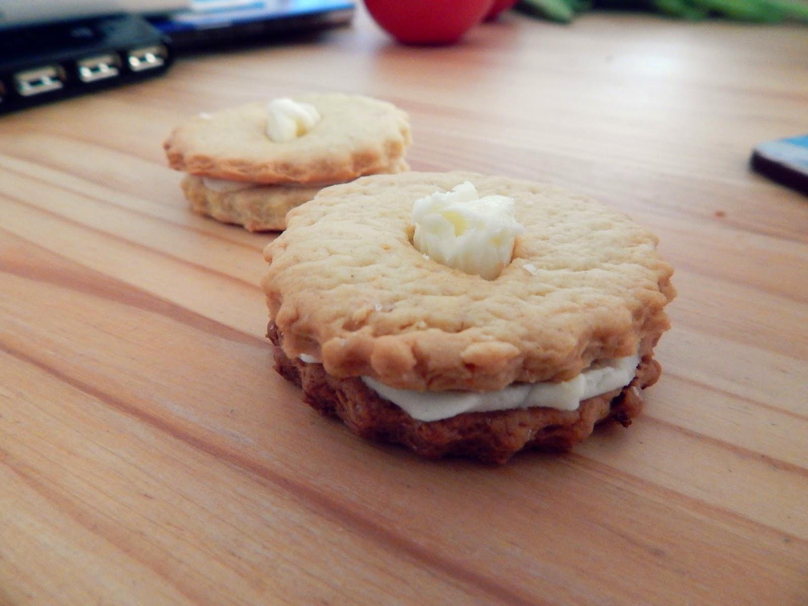 Recipe: Lemon Drizzle Custard Creams