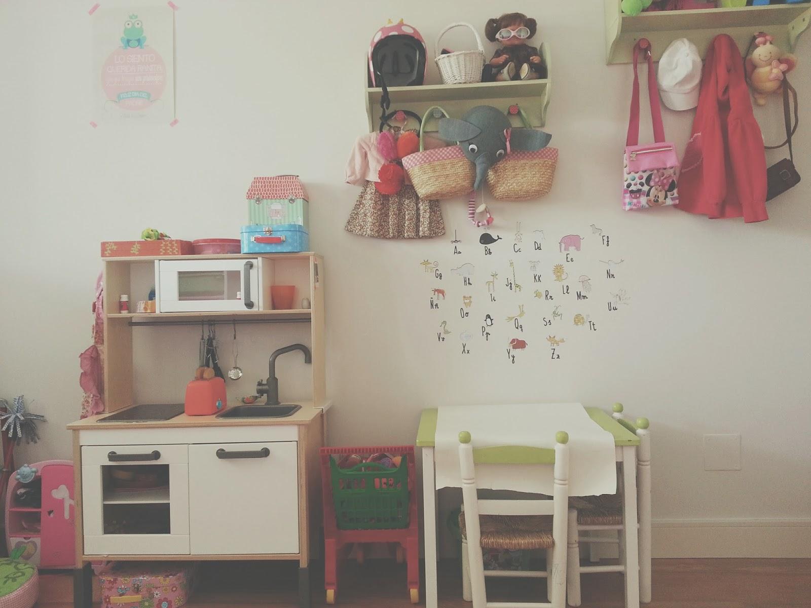 Habitaci n para ni as a partir de 2 a os for Ideas para decorar habitacion nino de 3 anos