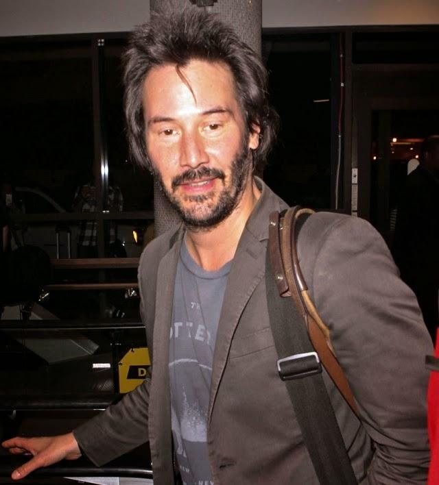 Keanu Reeves tiene una extraña apariencia