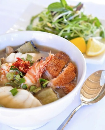 bun nuoc leo vietnamese fish soup with rice noodle