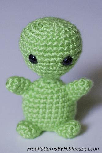 Amigurumi De Alien : Free Patterns by H: Alien Amigurumi Pattern