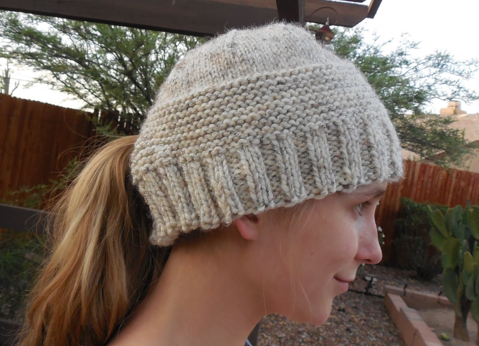 Knitting Pattern Ponytail Hat : The Crooked Banana
