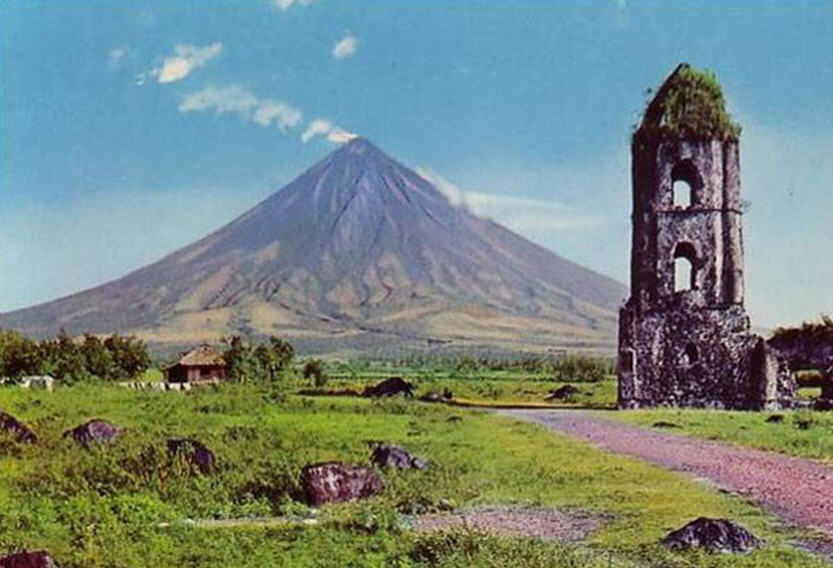 Mambulaoans Worldwide Buzz Albay Wants Control On Mayon Trekkers