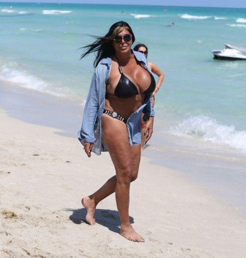 Bilo Best And Worst Celebrity Beach Bodies