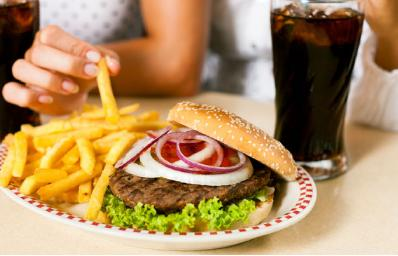 6 Foods That Are Bad For Your Skin - fast junk fried food