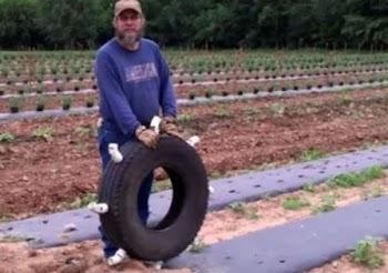 Αυτή είναι η πατέντα του αιώνα! Δείτε τι ανακάλυψε αυτός ο αγρότης! [video]