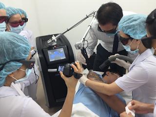 Câu trả lời của bác sĩ về quy trình điều trị xóa hình xăm tại TMV