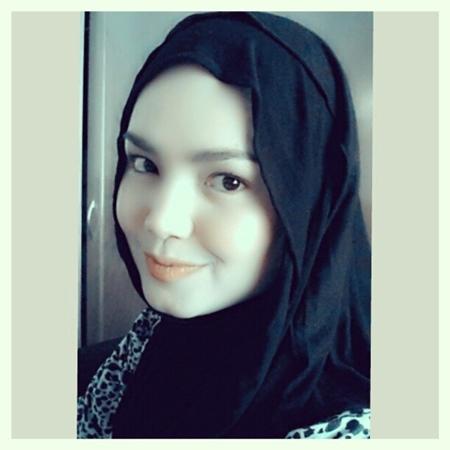 Siti Nurhaliza Bertudung Cantik
