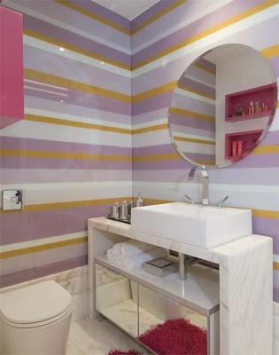papel de parede colorida banheira