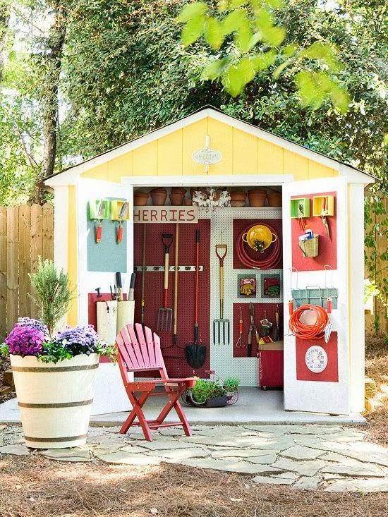 Garden potting sheds for Interesting garden buildings