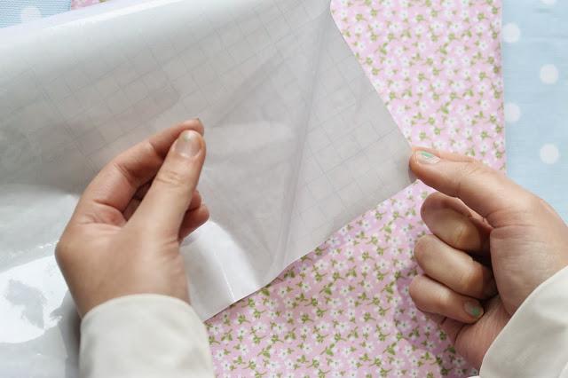 Diy telas adhesivas tutorial como impermeabilizar telas para evitar manchas y suciedad tape pink - Telas adhesivas ...