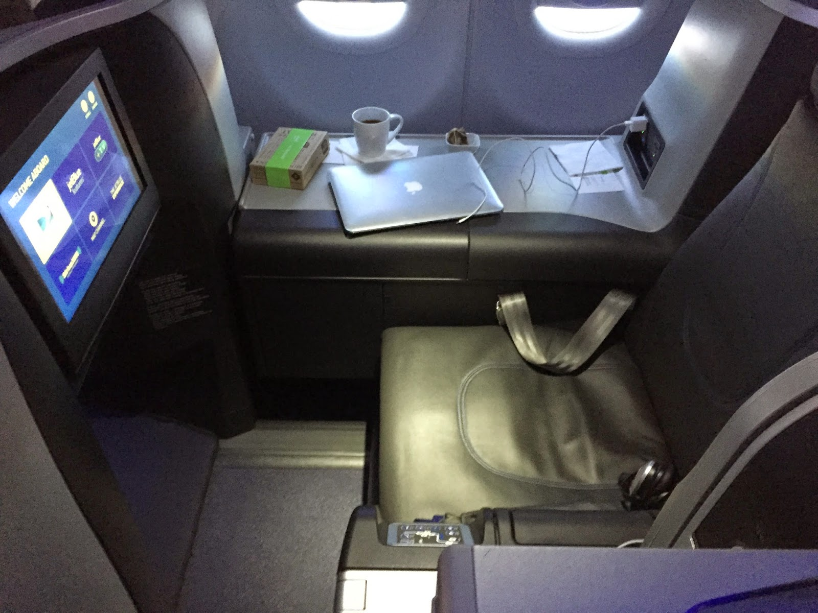 Mint Is A 16 Seat Business Class Cabin With Lie Flat Beds Available Starting At 599 Each Way On Specially Configured Aircraft JetBlue Expanded The