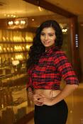 Priyanka latest glam pics-thumbnail-12
