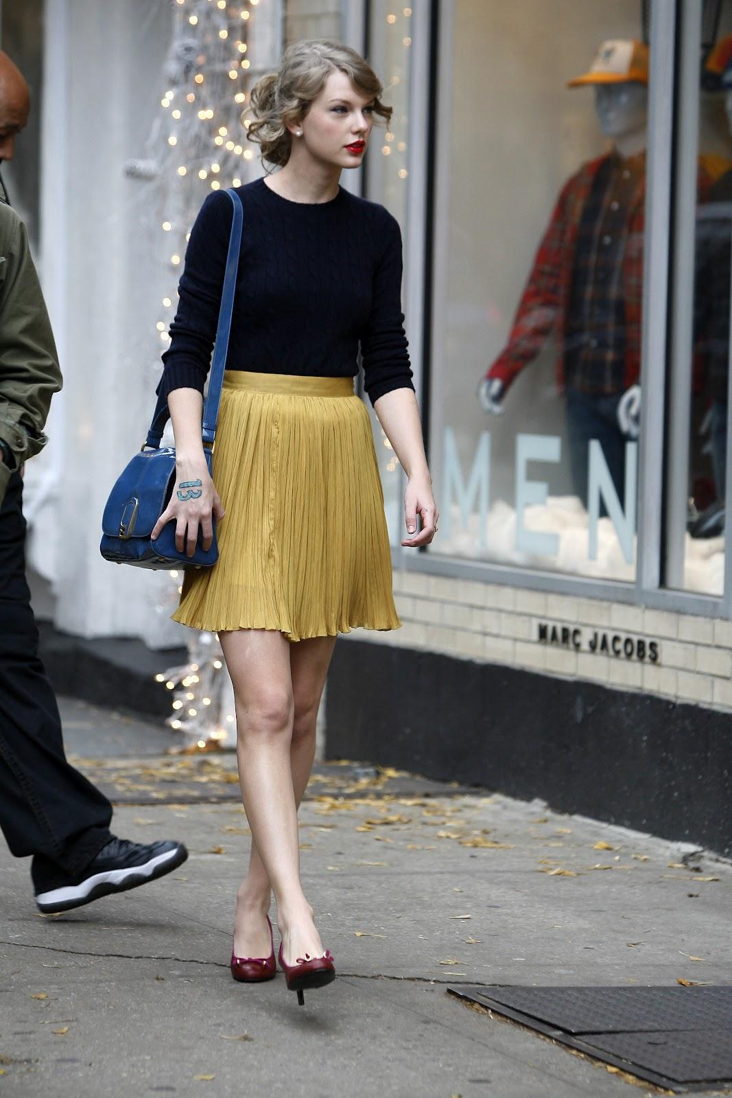 http://1.bp.blogspot.com/-34hCEBq4WaU/Ty9R01xT6YI/AAAAAAAABAA/UOo_Kzbtz28/s1600/Taylor+Swift+NYC.jpg
