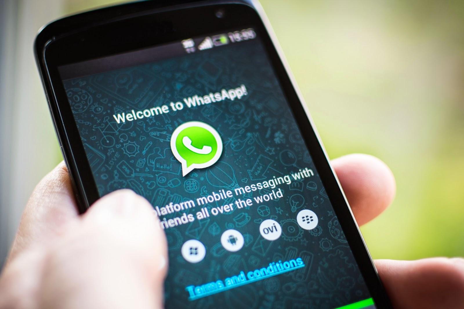 تقرير من مكافي : خلل في تشفير واتساب يسمح للهاكر التنصت على المحادثات و نشر الصور