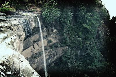 Tad Suong falls