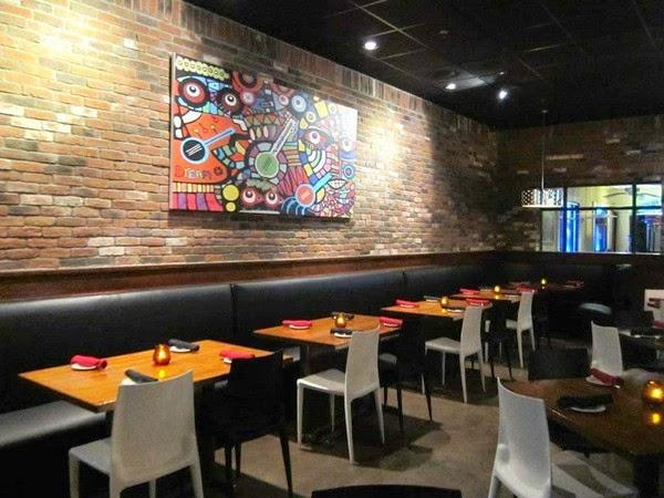 Bancos estofados para mesas dos restaurantes à decoração