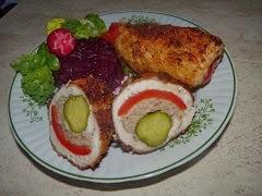 Rolada z kurczaka z mięsem mielonym i papryką