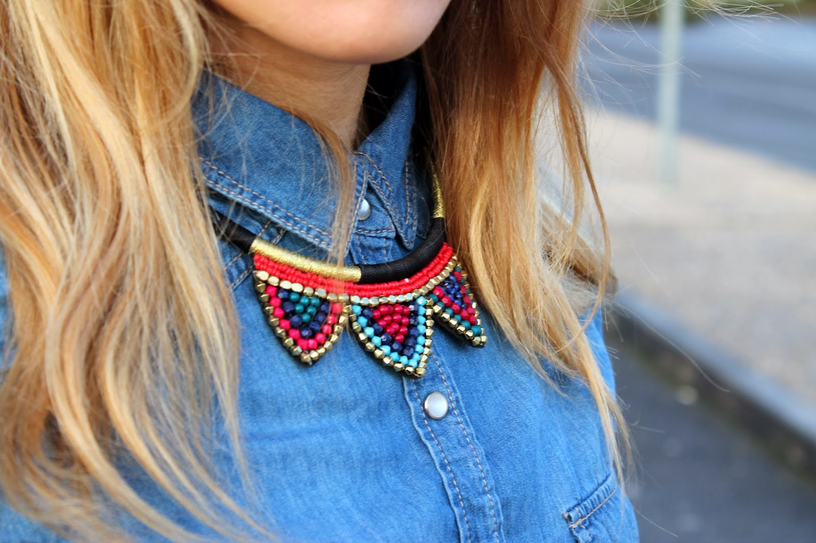 Collier plastron triangle