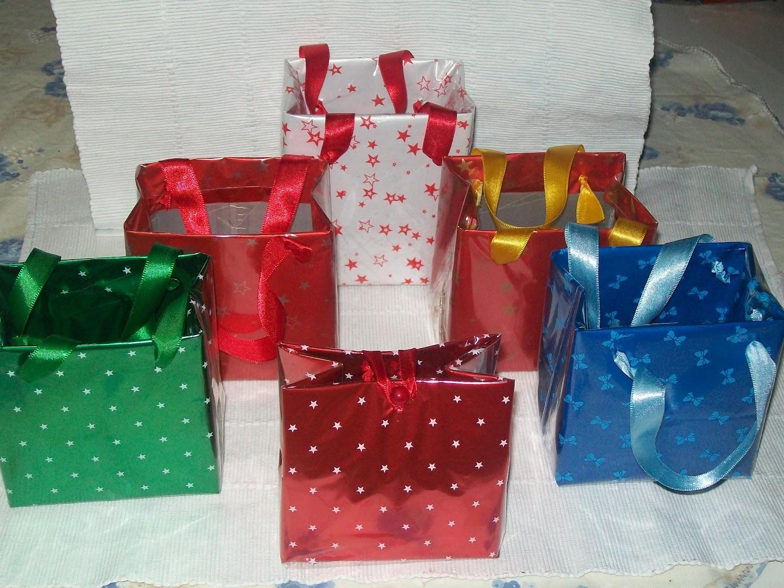 Renata Artesanato e cia Sacolinhas feitas de caixa de leite longa #0F3E71 1600x1200
