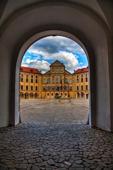 Nesvizh_Castle_in_Belarus