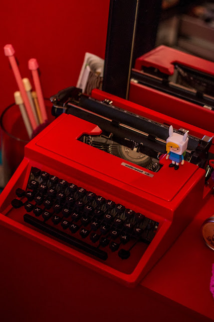 red typewriter underwood 310 vintage