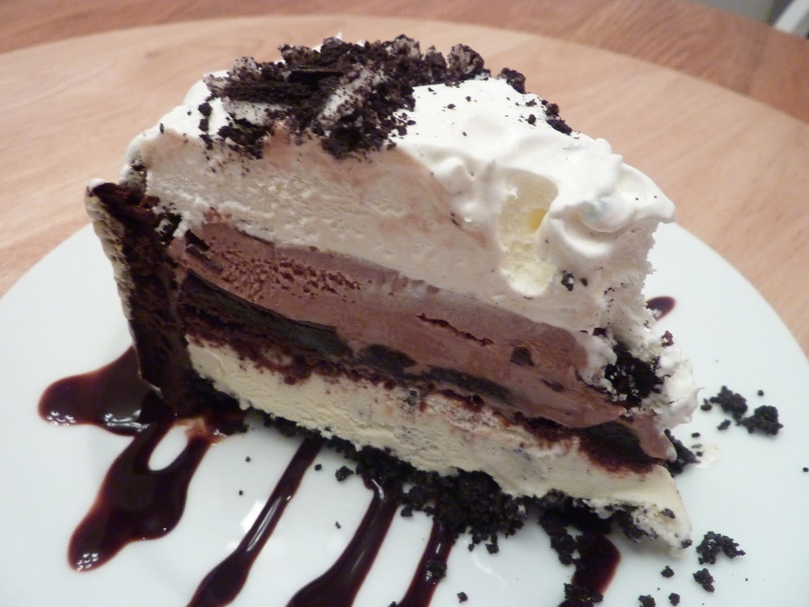 Kimmy's Kitchen: Layered Brownie Ice Cream Cake