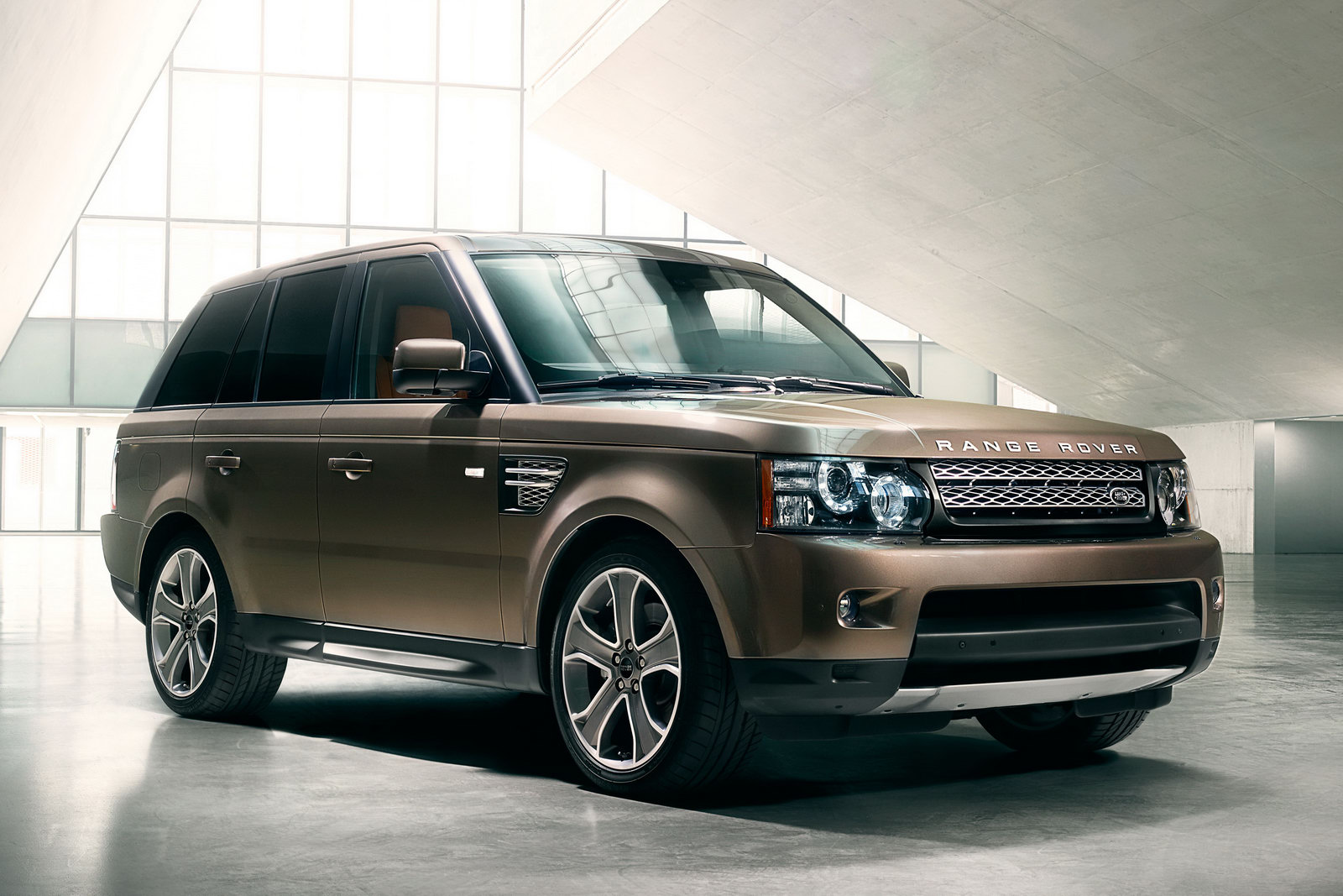 in4ride range rover sport updated with new tech. Black Bedroom Furniture Sets. Home Design Ideas