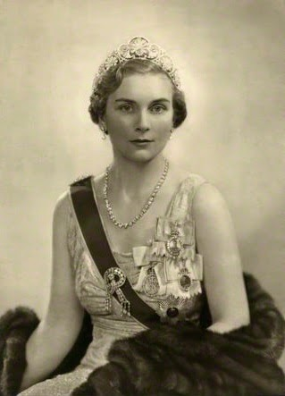 alice gloucester duchess princess jewels brooch birthday windsor douglas scott montagu duke jeweller court buccleuch 2004 wearing christabel daughter