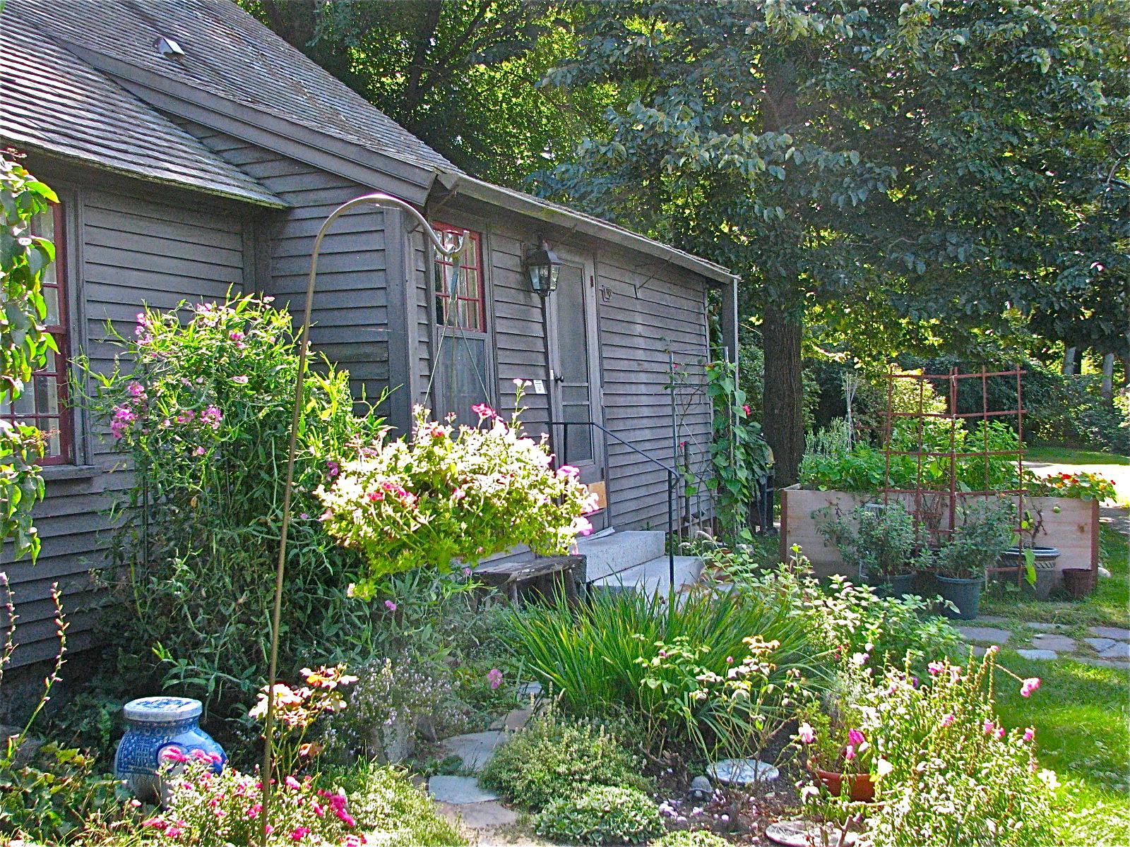 Ipswich Garden Club Volunteer Gardening Help Wanted
