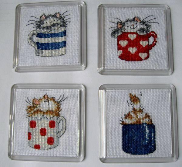 Вышивка коты в кружке 36