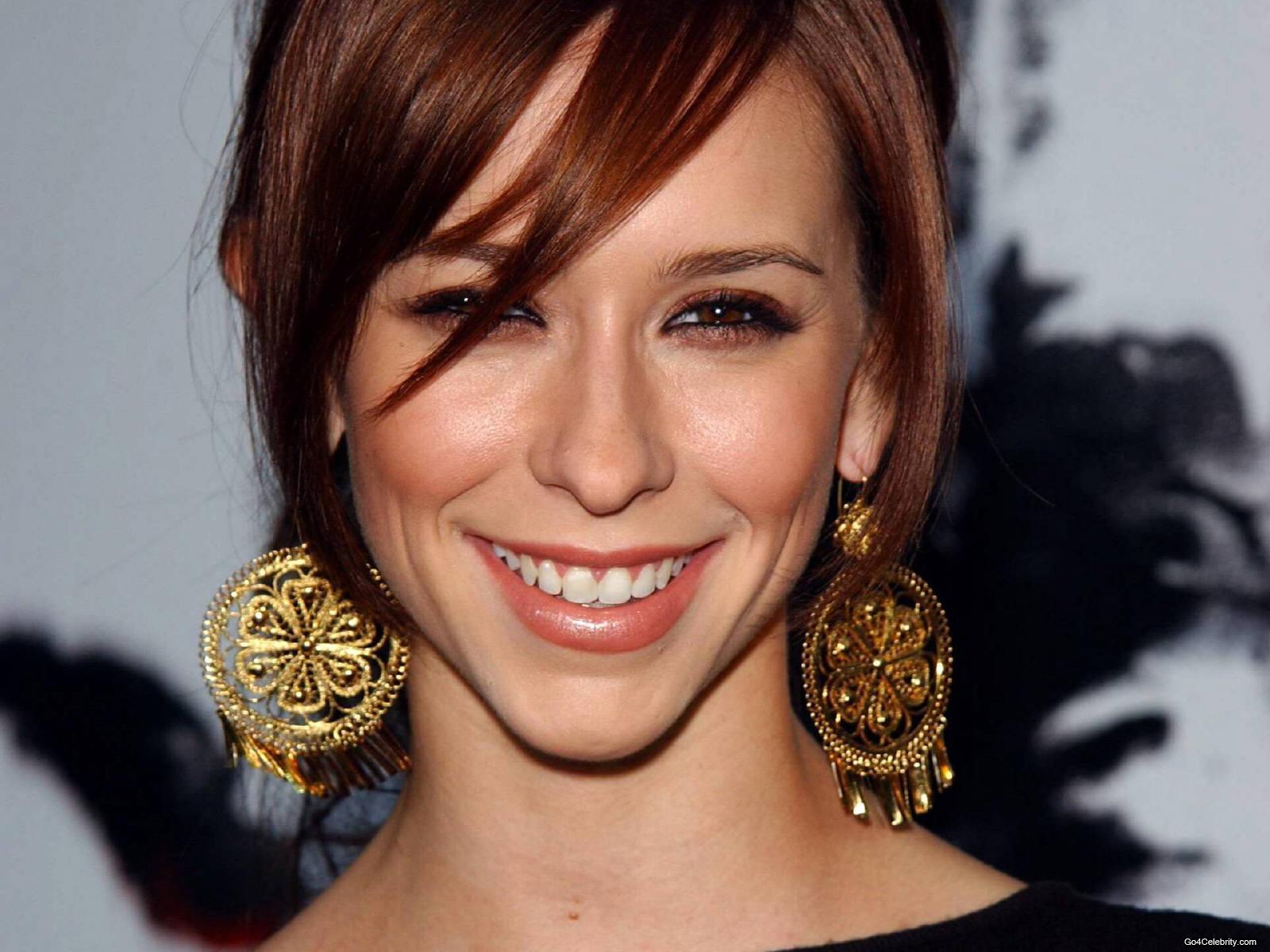 http://1.bp.blogspot.com/-37OMBOUBV9k/UNtU_QZ0KLI/AAAAAAAACLk/qXlOAjKvIjA/s1600/Jennifer-jennifer-love-hewitt-6836778-1600-1200.jpg