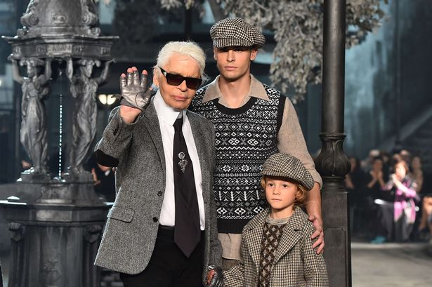 Karl-Lagerfeld, Baptiste-Giabicon, Hudson-Kroenig, chanel-metiers-d-art, metiers-d-art, mati-ventrillon, mati-ventrillon-chanel, chanel-plagiat, plagiat, dudessinauxpodiums, du-dessin-aux-podiums, chanel-copie-mati-ventrillon, Shetland-Island-knitters,CHANEL-ACCUSED-OF-COPYING-KNITWEAR-DESIGNER-MATI-VENTRILLON
