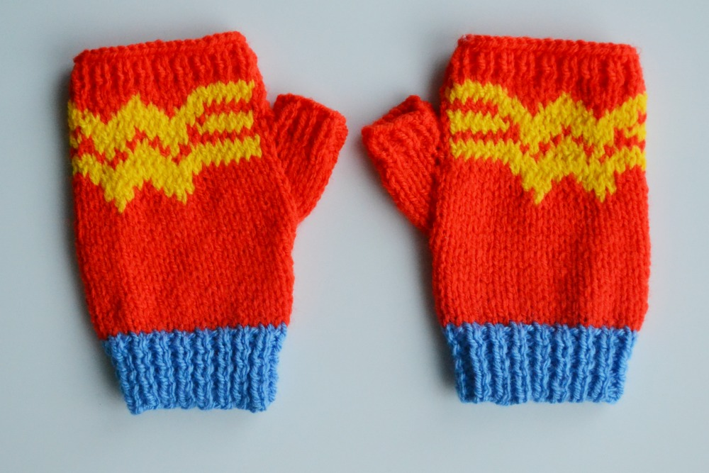 wonder woman fingerless knitted gloves christmas gifts secret santa blogger