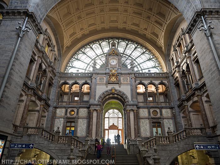 Antwerpen Centraal Grote inkomhal, Antwerpen-Centraal Railway Station Entrance hallm