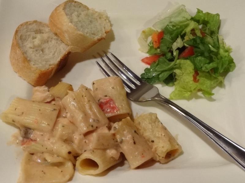 Cheesy Chicken Pasta Bake dinner MyWAHMPlan.com