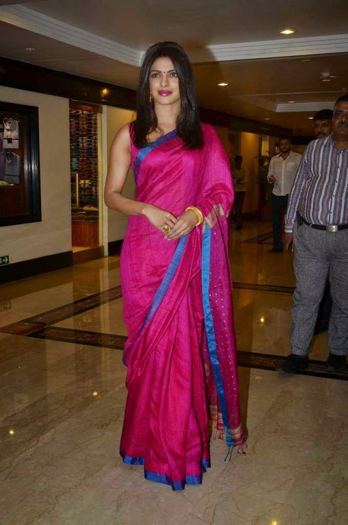 pics saree priyanka chopra