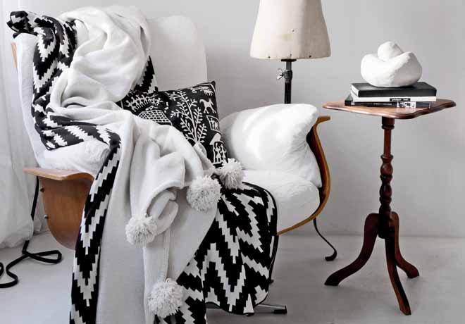 wie das mit den bommeln geht d rfte in aller welt bekannt sein und wenn nicht gibt 39 s jetzt. Black Bedroom Furniture Sets. Home Design Ideas