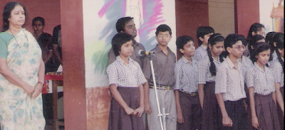 Singer Mahathi Childhood school performance wallpapers