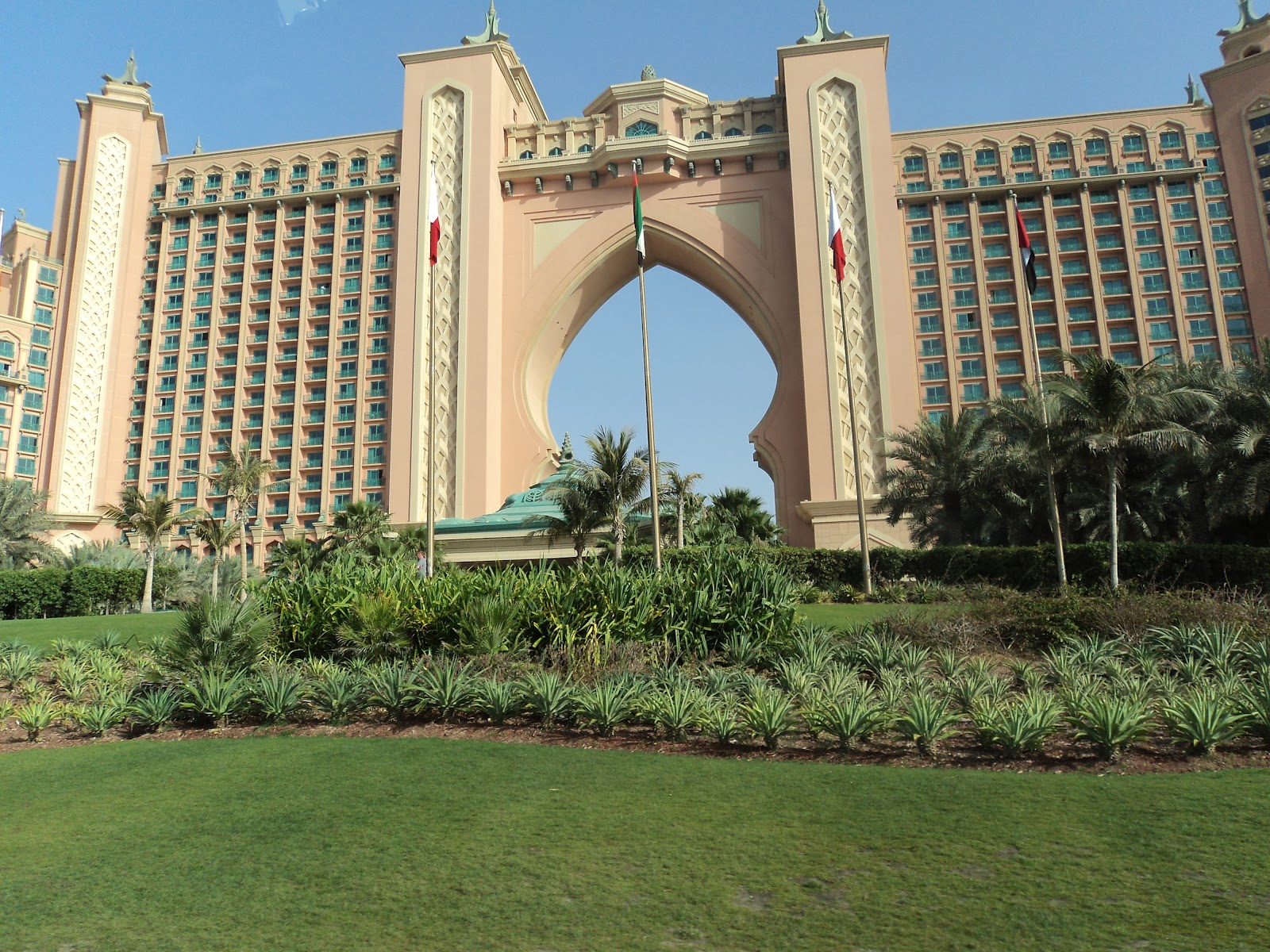 Oriental adventures palm jumeirah dubai for Hotel dubai palm