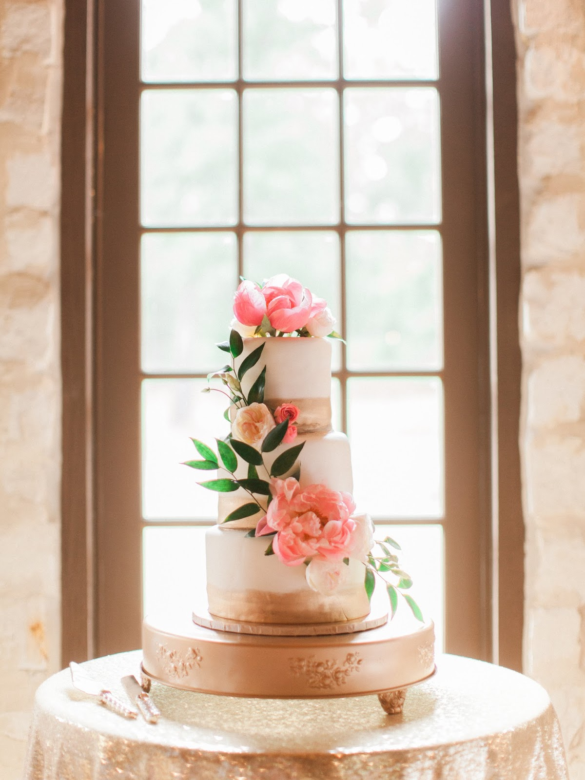 Planning Your Daughter\'s Wedding: The Cake - Quite Contemporary