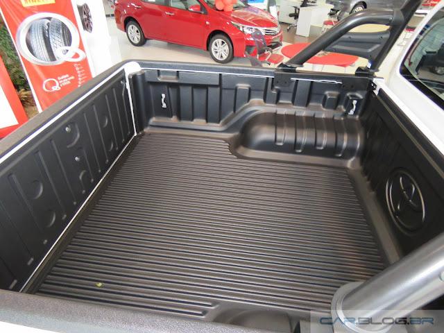 Nova Toyota Hilux 2016 SRV A/T - caçamba