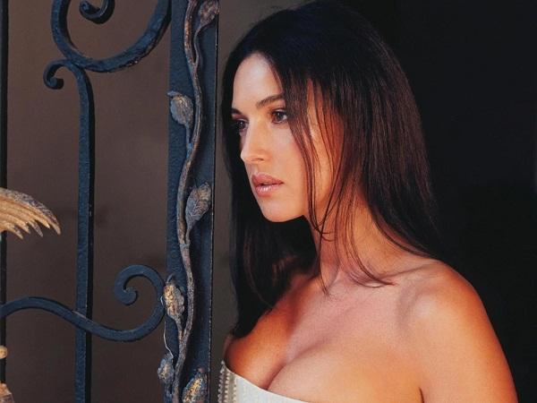 Hot Monica Bellucci Image
